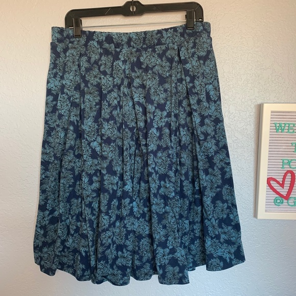 LuLaRoe XL Madison skirt
